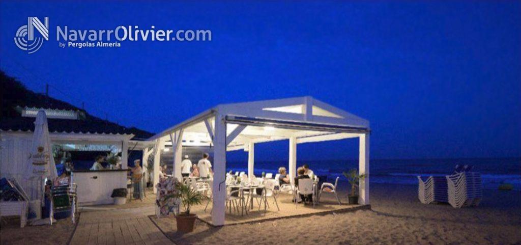 Esta magnificamente ubicado en medio de la playa de Garraf. Excelente carta y cócteles. Música en directo. Haz del  día de playa en una experiencia inolvidable y, todo ésto, hasta bien entrada la noche.