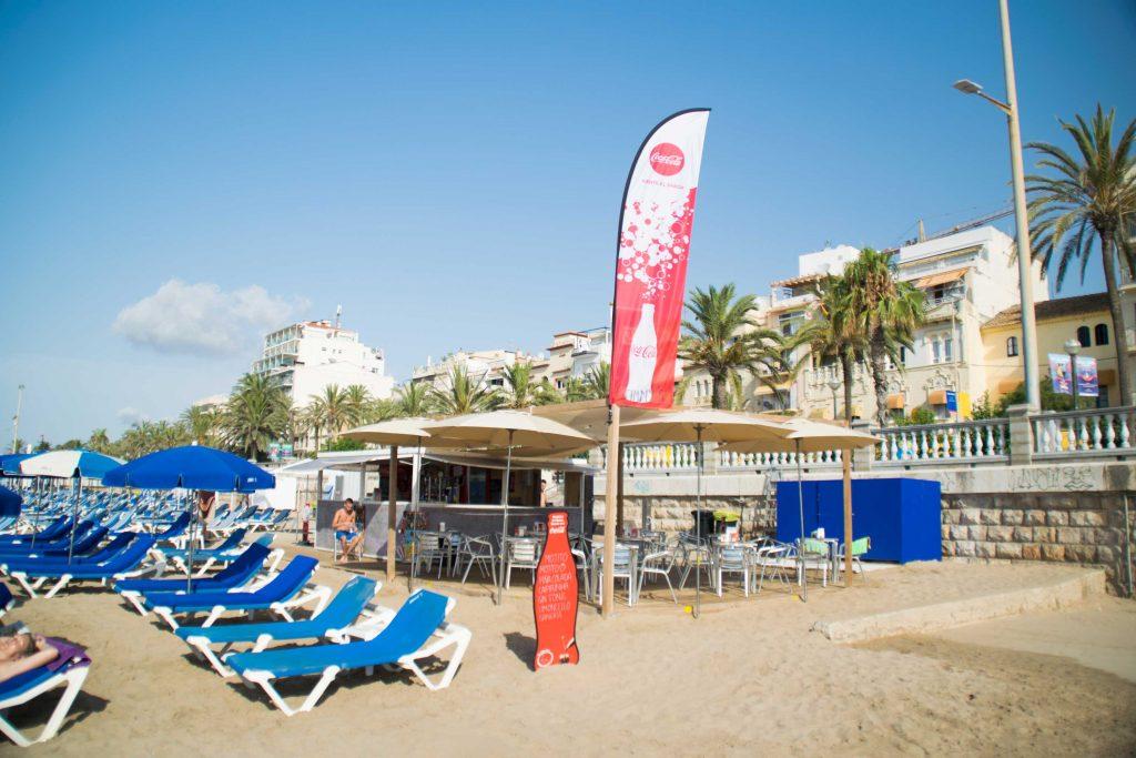 Inmejorable servicio, buena comida y fantásticos cócteles. Lugar ideal para pasar el día en Sitges.