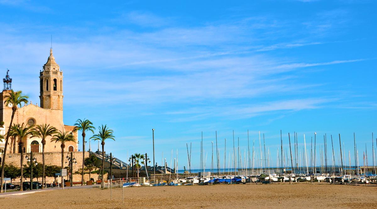 Los mejores chiringuitos de Sitges. Buena comida, buenos cócteles, buen ambiente. Todo al lado del mar. Sitges, Garraf, Les Botigues, Casteldefels, Barcelona